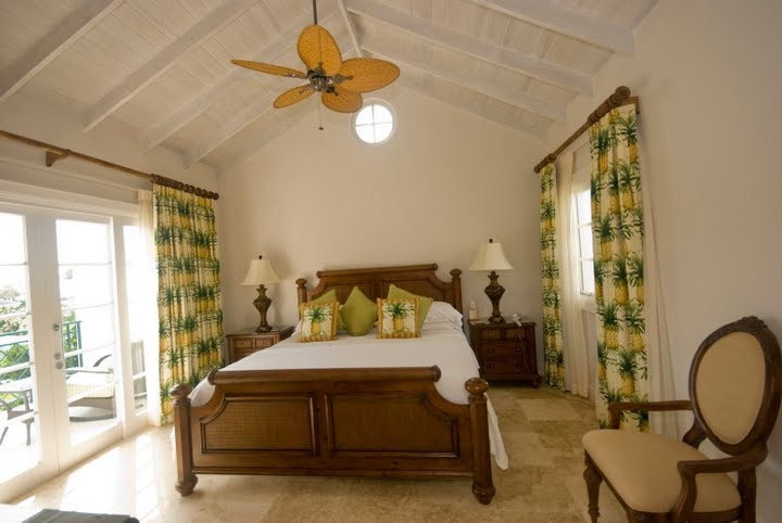 Jus Chillin hliday Villa, Barbados. Master Bedroom